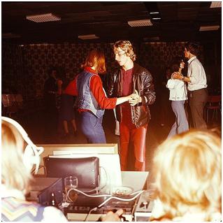 1977, Betriebsdisko in Hermsdorf, Thüringen Foto: Eugen Nosko Eigentümer: SLUB/ Deutsche Fotothek Aufn.-Nr.: df_n-15_0000407